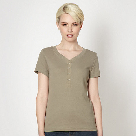 Maine New England - Khaki grandad neck t-shirt