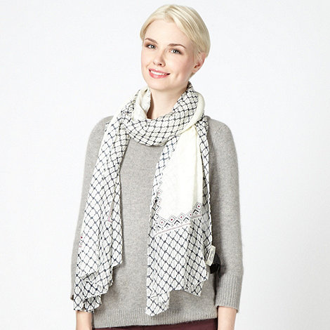 Mantaray - Ivory geometric border scarf