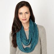 Blue knit snood