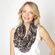 Black pixellated rose print snood