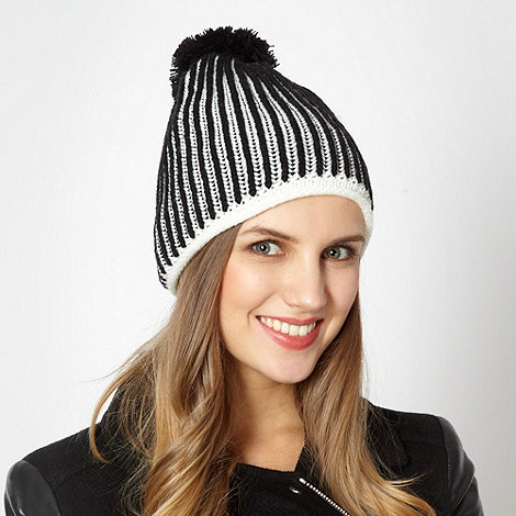 Red Herring - Black knitted patterned hat