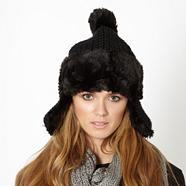 Black faux fur trimmed trapper hat