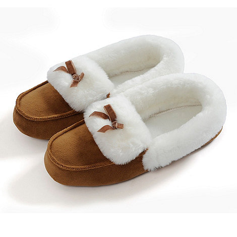 Totes - Tan suedette moccasin slippers
