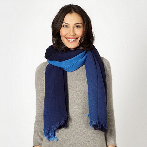 Mantaray - Blue graduated dye woven scarf