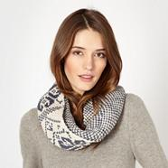 Dark blue fairisle twist snood