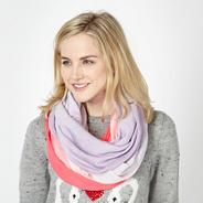 Bright pink graduated snood