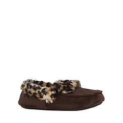 Totes - Suedette moccasin in chocolate/animal