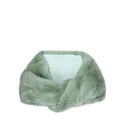 Faith - Light green faux fur snood