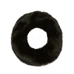 Faith - Black faux fur snood