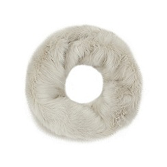Faith - Pale grey faux fur snood
