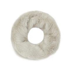 Faith - Pale grey faux fur snood
