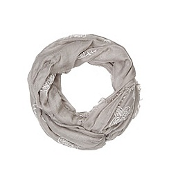 Mantaray - Grey embroidered flowers snood