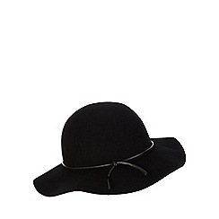 Red Herring - Black floppy hat