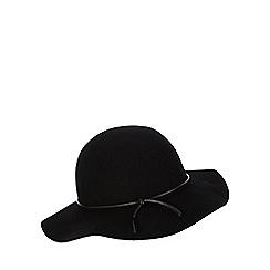 Red Herring - Black floppy hat
