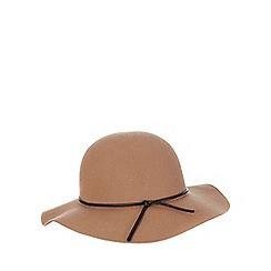 Red Herring - Tan floppy hat