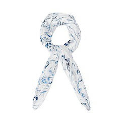 Mantaray - White and blue beach hut print scarf