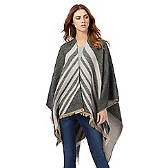 Nine by Savannah Miller - Grey chevron print wrap