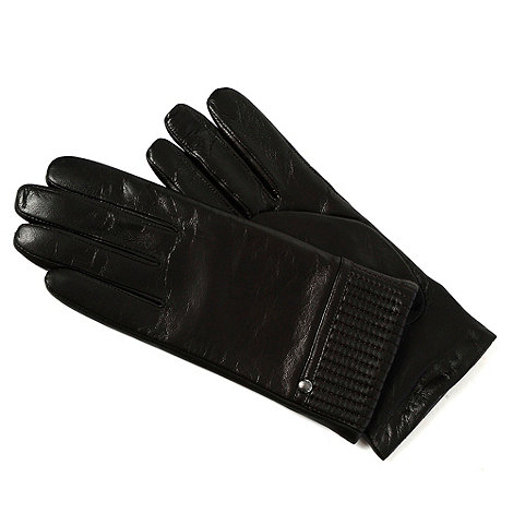 Isotoner - Black pleated gloves with cashmere lining