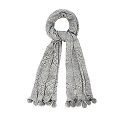 Mantaray - Grey crochet pom scarf