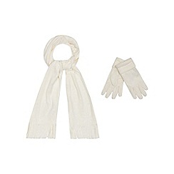 Mantaray - White scarf and gloves set
