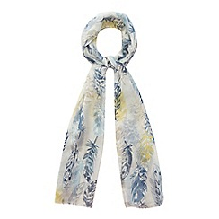 Mantaray - Navy feather print tasselled scarf