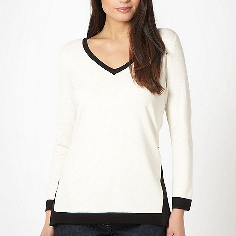 The Collection Petite - Petite natural panel V neck jumper