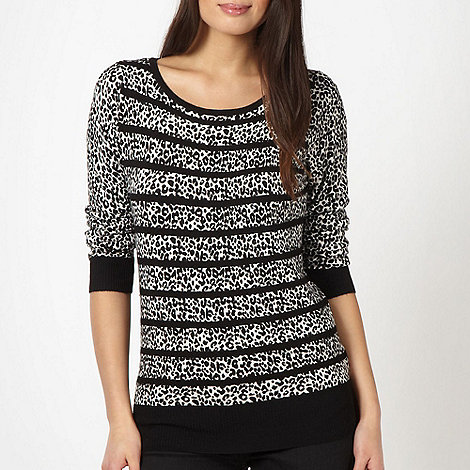 The Collection Petite - Petite designer black leopard print knitted jumper