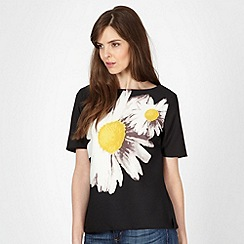 The Collection Petite - Petite black large daisy print top