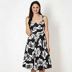 The Collection Petite - Petite black and white floral print prom dress
