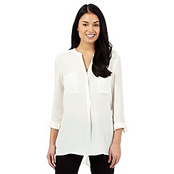 The Collection Petite - Ivory cutout trim shirt