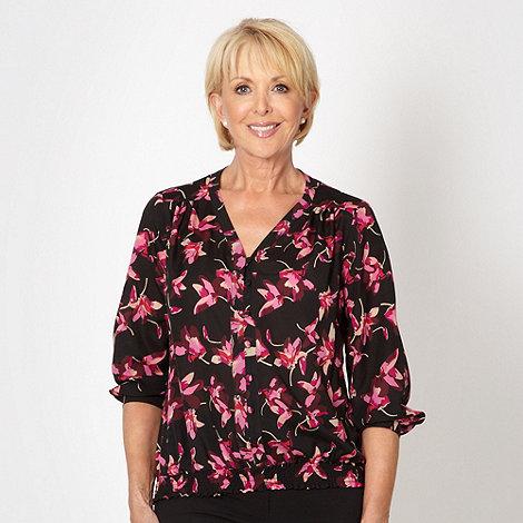 Classics - Black tulip collarless blouse