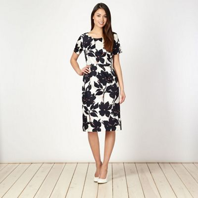 Classics Ivory pansy floral belted shift dress - . -