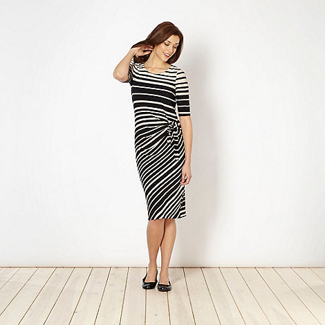 Classics - Black graduated striped dress