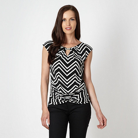 Principles by Ben de Lisi - Designer black chevron twist front top