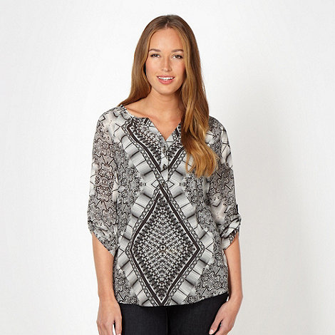 Principles by Ben de Lisi - Designer grey symmetrical printed blouse