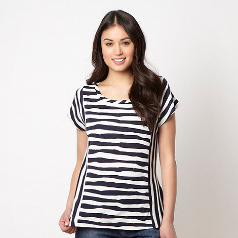 Principles by Ben de Lisi - Designer navy wavy striped t-shirt