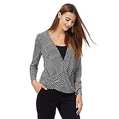 Principles by Ben de Lisi - Black houndstooth wrap top