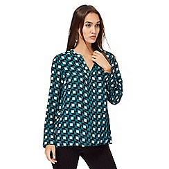 Principles by Ben de Lisi - Green geometric print notch neck shirt