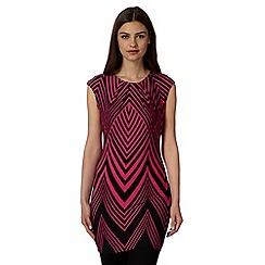 Principles by Ben de Lisi - Designer dark pink zig zag print tunic