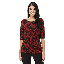 Principles Petite by Ben de Lisi - Dark red arrow top