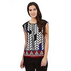 Principles Petite by Ben de Lisi - Black tribal border print shell top