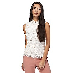 Principles Petite by Ben de Lisi - Ivory lace front shell top