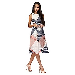 Principles by Ben de Lisi - Pink diamond print knee length prom dress