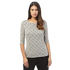 Principles Petite by Ben de Lisi - Black retro graphic top