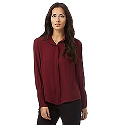 Principles Petite by Ben de Lisi - Dark red pleated collar petite top