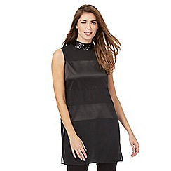 Principles Petite by Ben de Lisi - Black sequinned neck longline top
