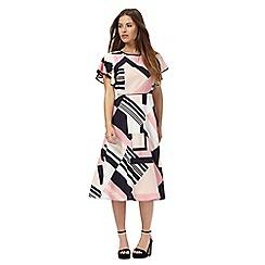 Principles Petite by Ben de Lisi - Pink geometric print petite dress