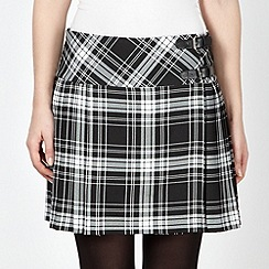 Red Herring - Black checked kilt