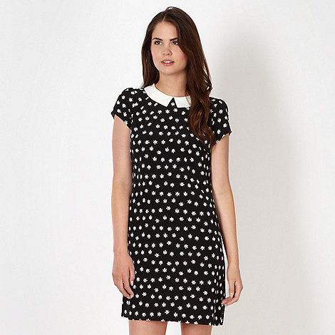 Red Herring - Black daisy peter pan collar tunic dress
