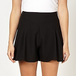 Red Herring - Black pleated shorts